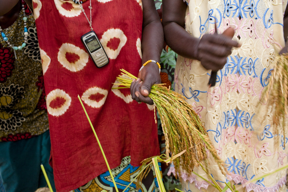 10 ways in which ICTs can transform the lives of rural women