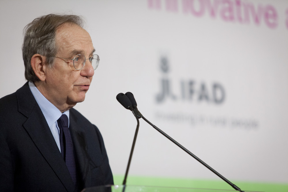 Pier Carlo Padoan, Italy's Minister of Economy and Finance, stressed the importance of ensuring all rural people can access financial services so that they can invest in their own development. ©IFAD/Flavio Ianniello