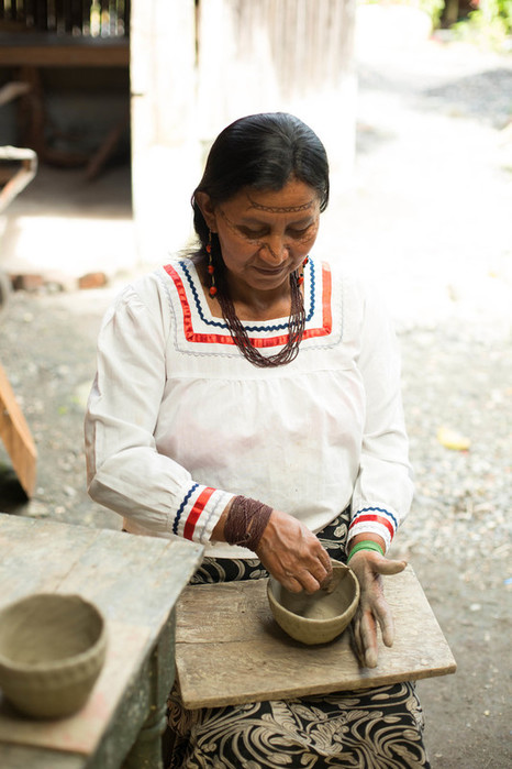 Qichua Indigenous artisan's shop in Puyo. IFAD/Carla Francescutti